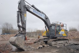 Bardem leads the way with new 25 ton Volvo Excavator