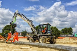 Eurovia Contracting delivers major project supported by brand new JCB Hydradig kit