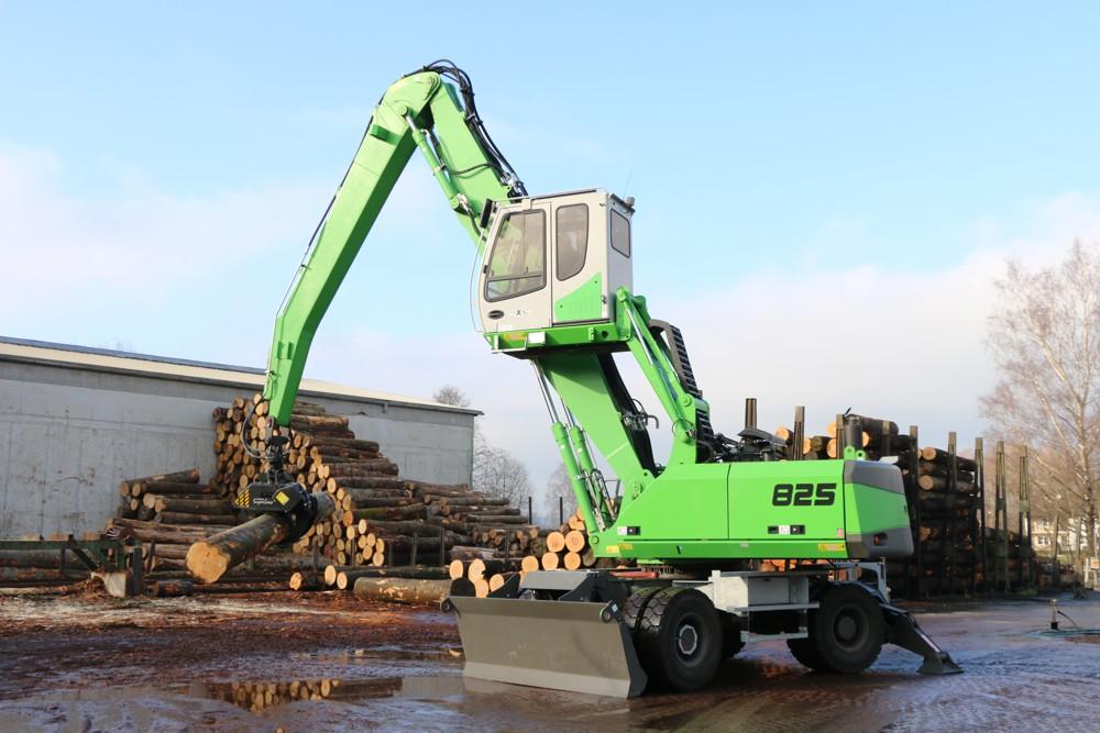 SENNEBOGEN 825 handles long-range timber handling with comfort at Holzwerk Obermeier