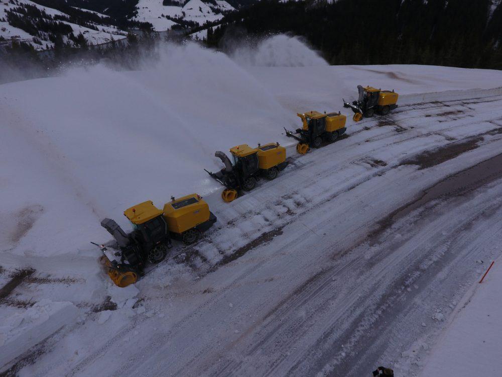 Swiss Army deploys ten Schmidt Supra's to combat snow