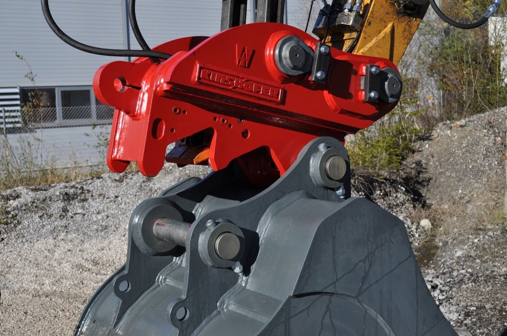 KINSHOFER's X-LOCK Coupler provides fast and safe attachment exchanges