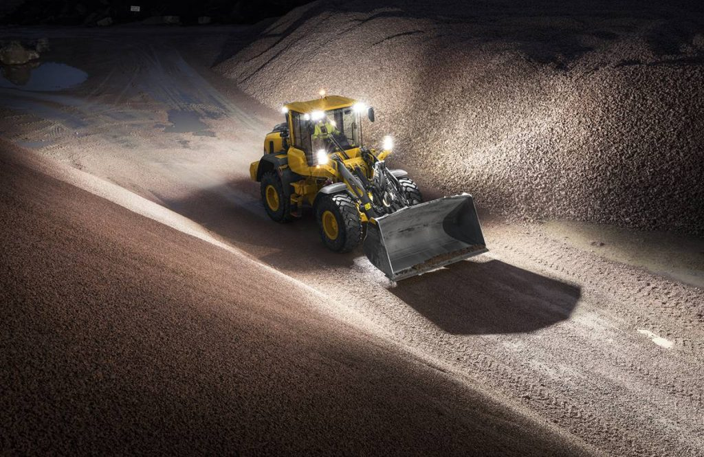 Volvo debuts updated L90H wheel loader at World of Asphalt 2018