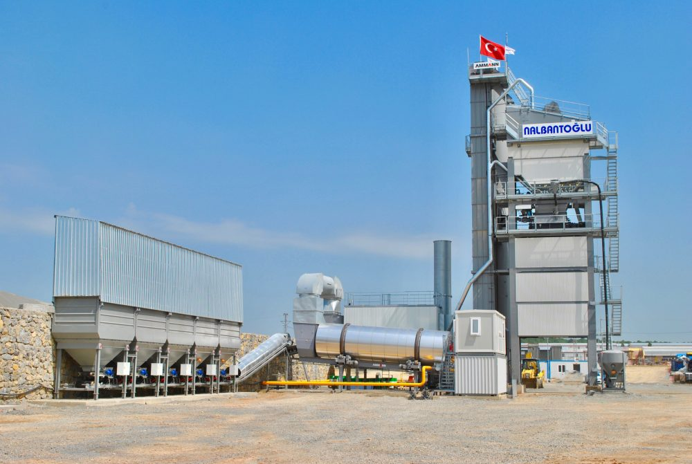 An Ammann asphalt mixing plant production and ability to utilise fibres is playing a crucial role in the construction of the Northern Marmara Motorway in Turkey.