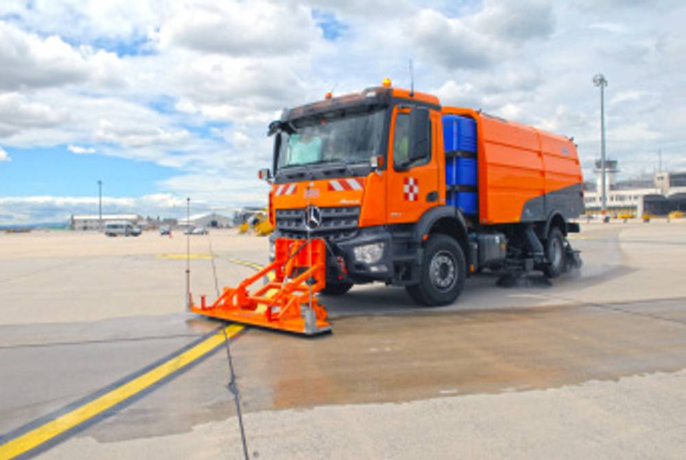 Schmidt Sweeper keeps the Kenyan Air Force clean