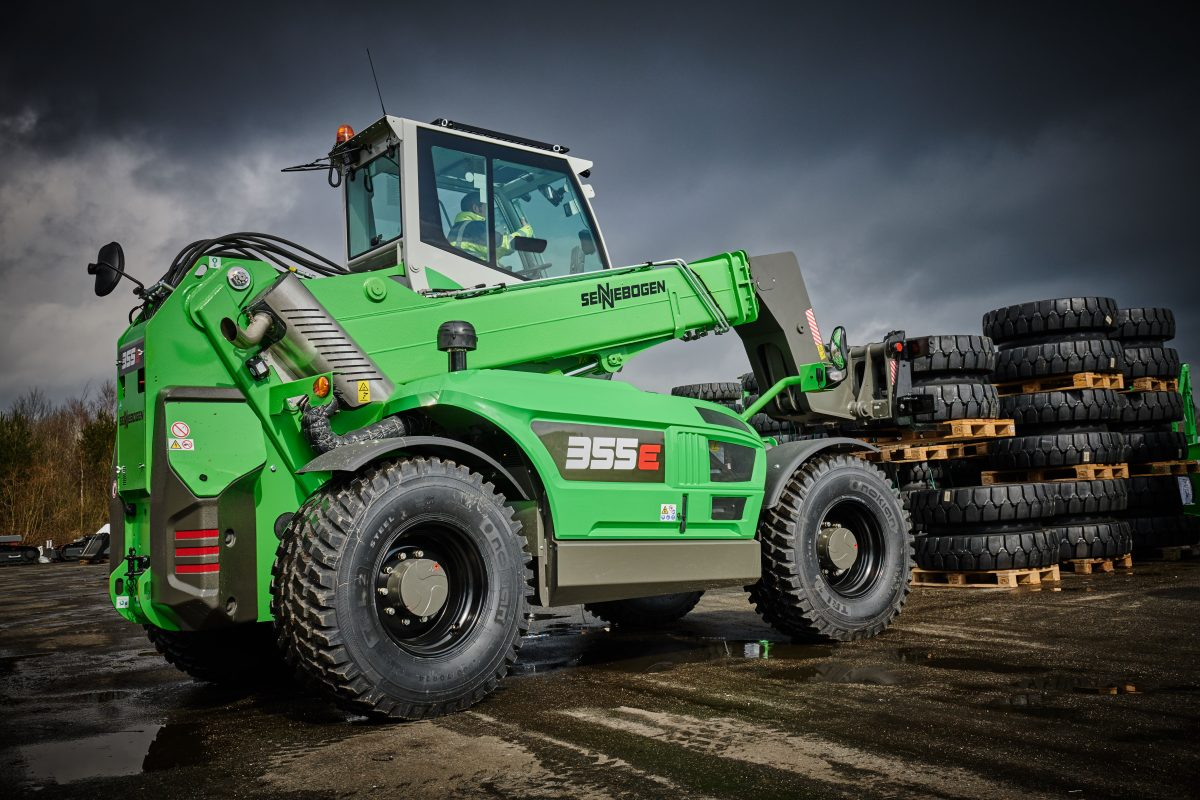 SENNEBOGEN presents their new 355 E Telehandler at IFAT 2018