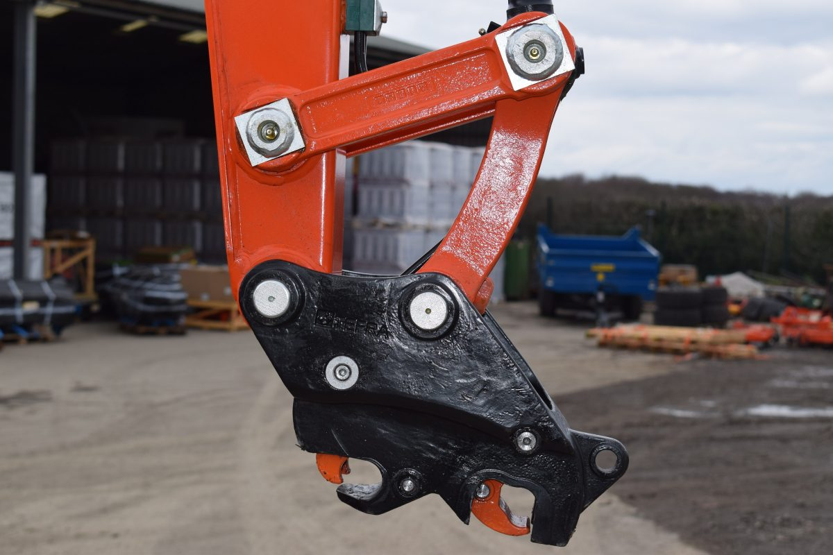 Hill Engineering's new TEFRA coupler for mini Excavators set for Hillhead launch