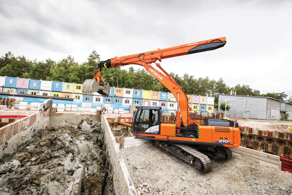 Hitachi ZX210LC-6 telescopic arm excavator unveiled at Intermat
