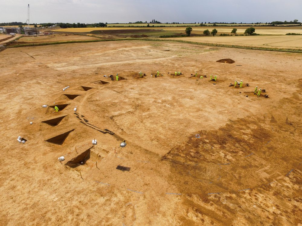 Neolithic henge monument being excavated for A14C2H (c) Highways England, courtesy of MOLA Headland Infrastructure
