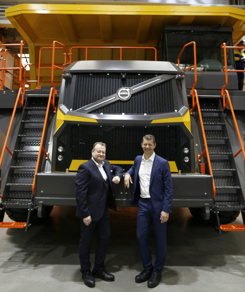 Volvo CE President Melker Jernberg (right) with Volvo CE Vice President of Rigid Haulers Paul Douglas