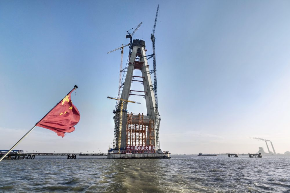 China's Shanghai-Nantong Yangtze River Bridge built using Doka automatic climbing formwork
