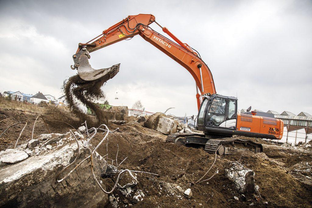 Dutch demolition experts AC Stolwerk Sloopwerken buy first Hitachi Premium Used Excavator