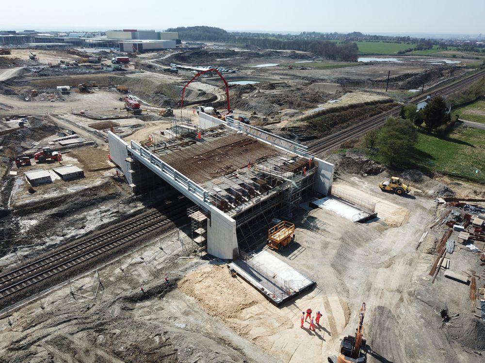 New bridge takes shape at Thorpe Park, Leeds