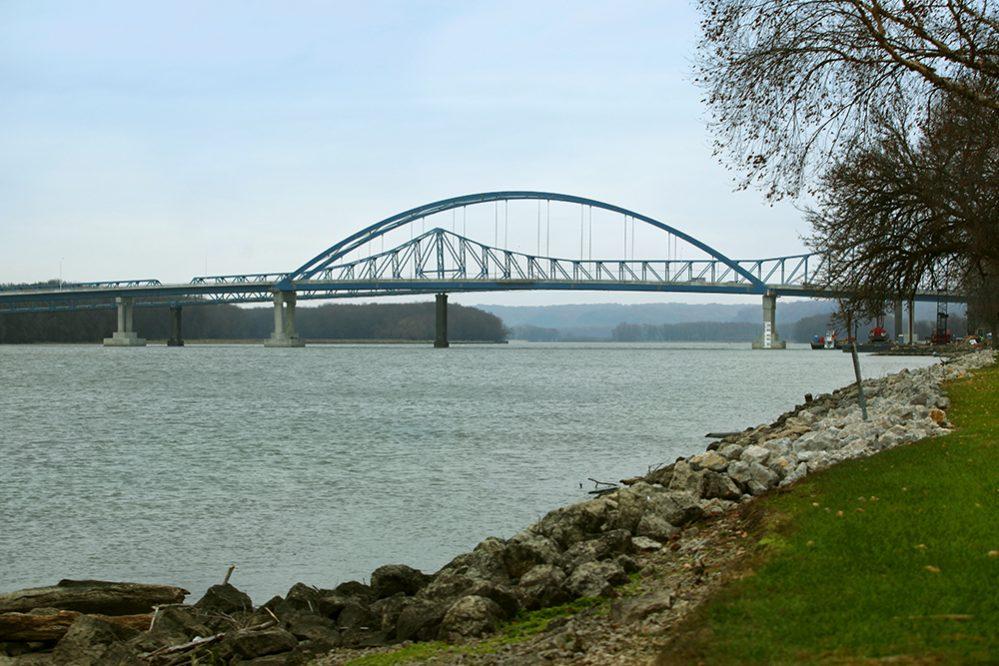 Dale Gardner Veterans Memorial Bridge wins Parsons an APWA award