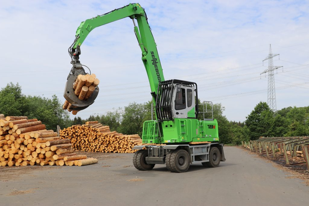 """A key piece of equipment in our sawmill and in the log yard,"" is the glowing review given by Managing Director Bernd Koch in relation to the green SENNEBOGEN 723 material handler. This machine with a reach of 11 m and a 1.25 m² log grapple has been put to use with great success at Sägewerk Koch GmbH in Germany's Westerwald region."
