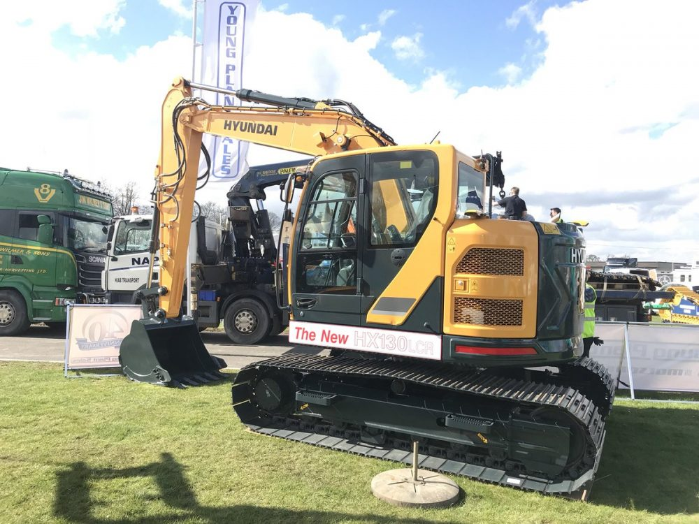 Hyundai Construction launches brand-new HX130 LCR crawler excavator