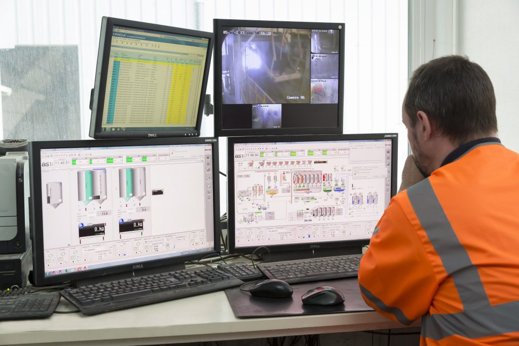 The Crucial Role of Asphalt Plant Control Systems