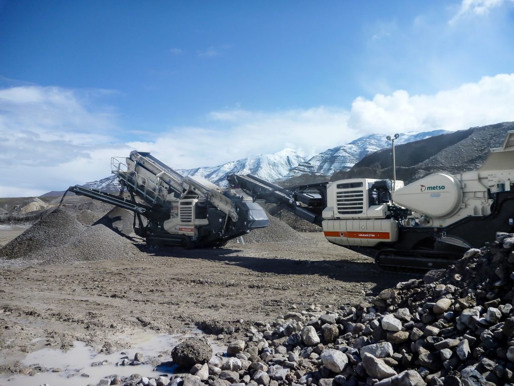 Yancey Bros. Co. will offer Metso's mobile and stationary crushing and screening products, including the LT106(TM) mobile jaw crushing plant and wear parts fastening kit.