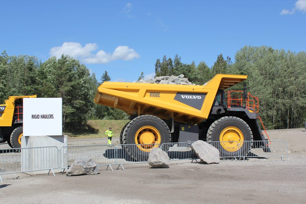 Volvo celebrates 60 years of Construction machinery demonstrations
