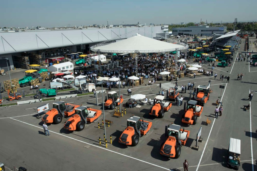 Road Technology Days shine the spotlight on Wirtgen, Vogele and Hamm