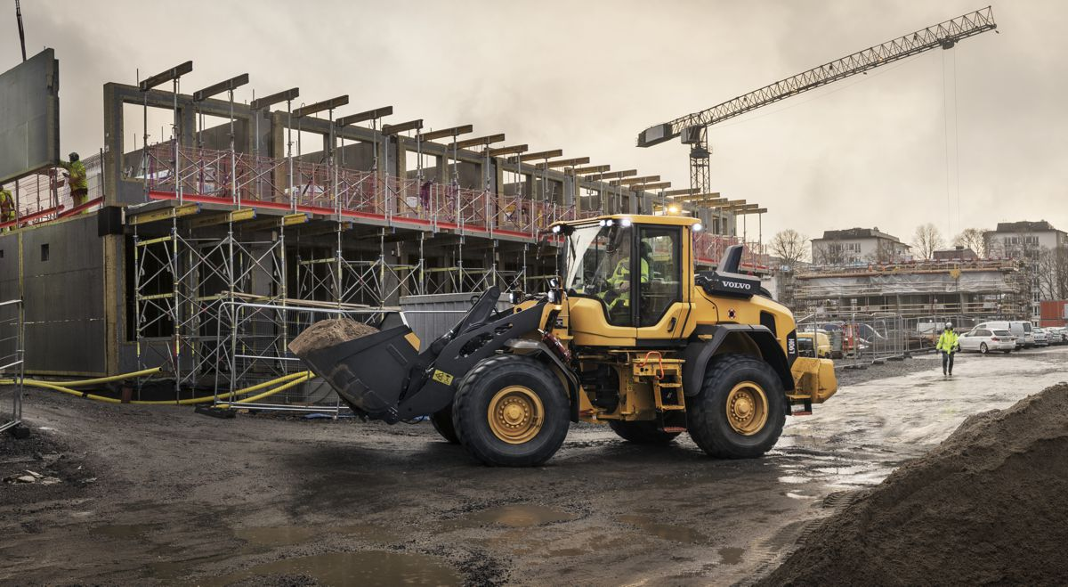 Volvo updates mid-size Loaders to deliver 25 percent greater fuel efficiency