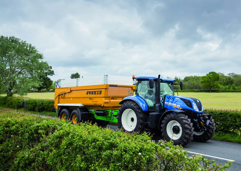 New Holland intelligent Tractor Trailer braking delivers safety and stability