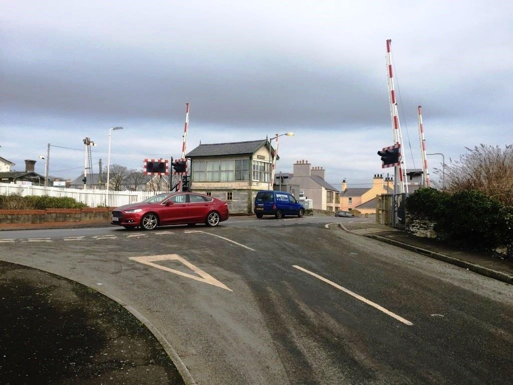 Rail safety warning issued after motorist level crossing misuse in Anglesey