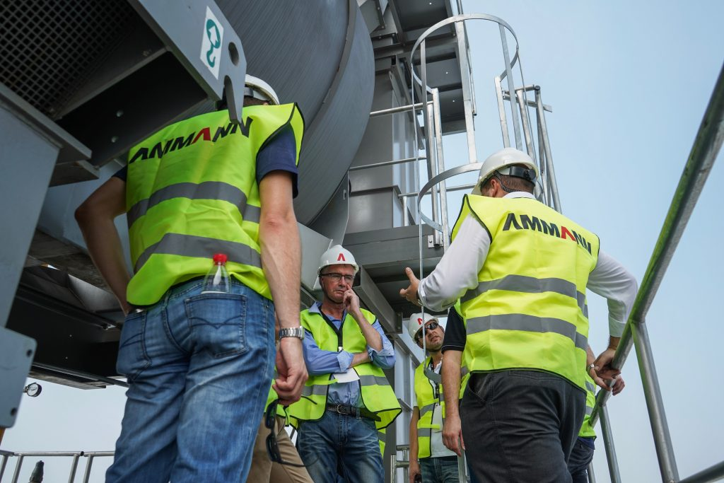 Australian asphalt experts impressed with Ammann factory in China