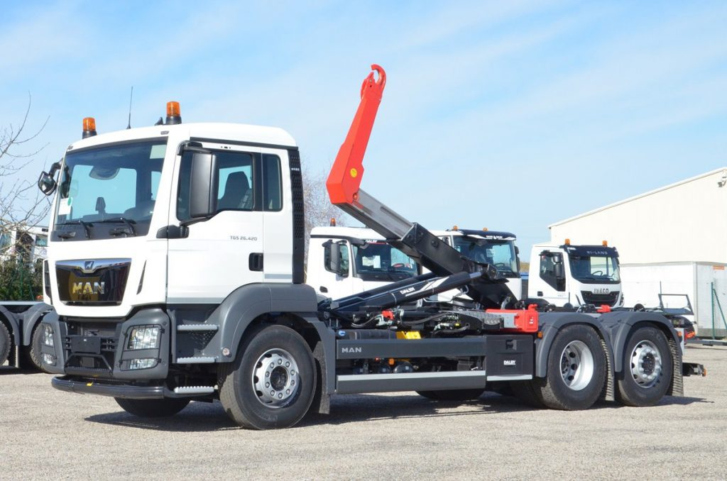 Dalby Hydraulic Hooklifts to raise the roof at IAA Commercial Vehicles 2018
