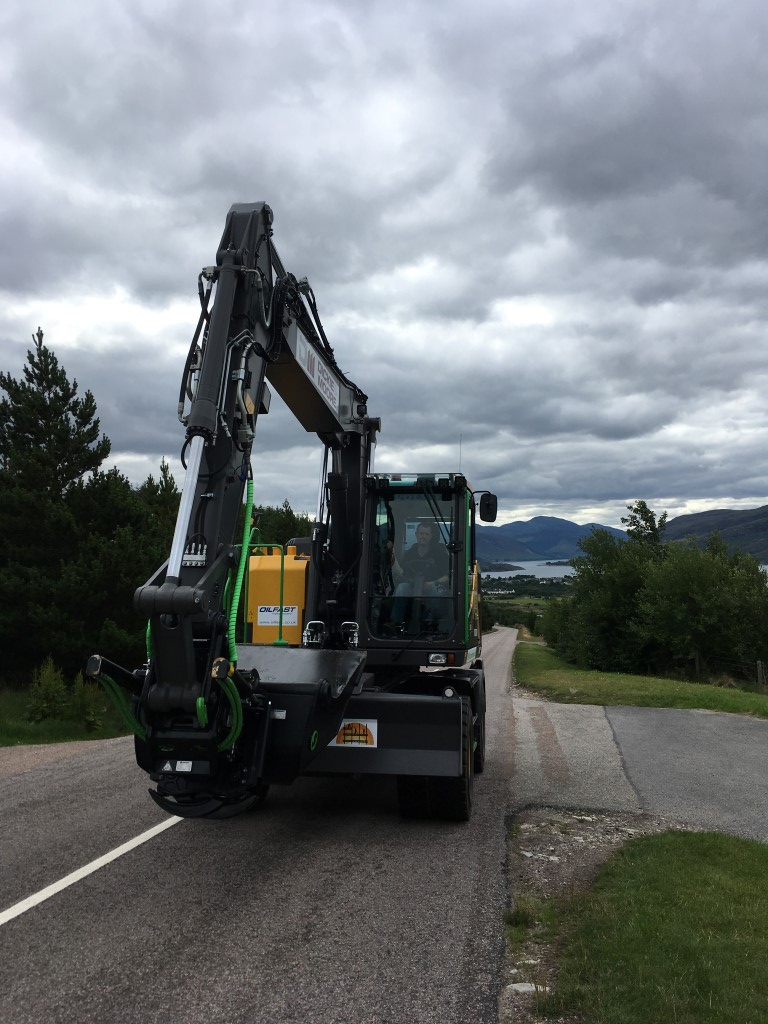 Thurso-based Gow Groundworks has taken delivery of the first reduced swing radius Volvo EWR170E wheeled excavator to arrive in Great Britain which has recently successfully completed the NC 500 around the northern coast of Scotland.