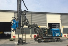 Smart Motorway construction revolutionised by long-reach telescopic leader rig