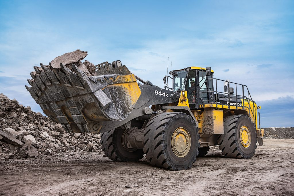 John Deere revamps 944K Hybrid Wheel Loader with Final Tier 4 Engine technology