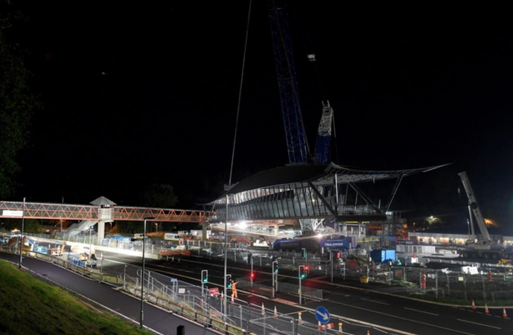 Balfour Beatty lifts main bridge in Telford into place