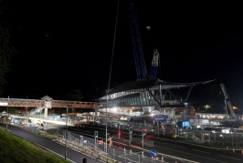 Balfour Beatty lifts 2nd 240 tonne footbridge into place in Telford