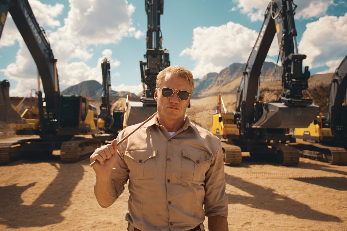 Dolph Lundgren gives VolvoCE Excavators a workout