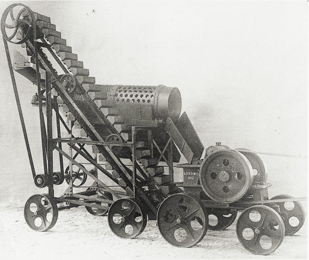 The first mobile crushers manufactured at Lokomo were introduced in 1920's.