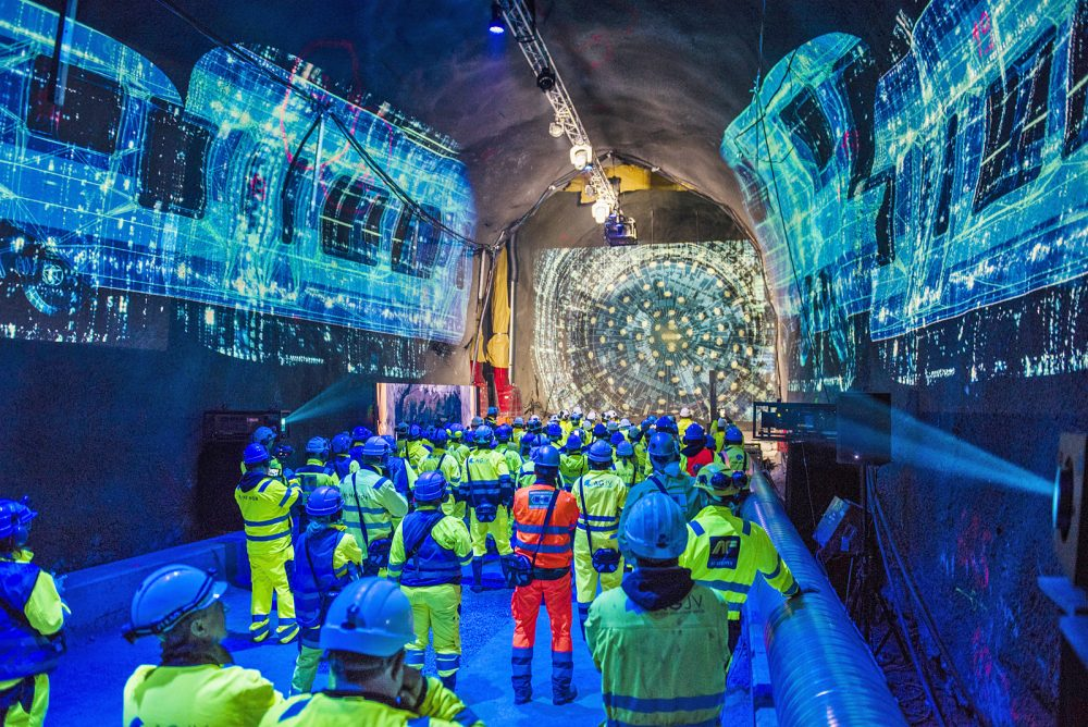 On September 11 the double breakthrough was viewed around the world via live stream. On site the tunnelling crews also waited for the two tunnel boring machines to break through