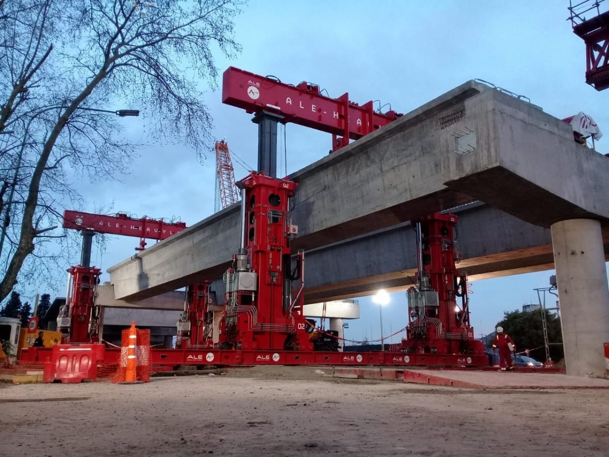 Efficiency and reduced risk using TLG1000 for inaugural bridge installation in Argentina