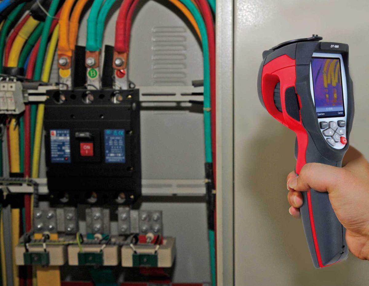 Bargain handheld Rothenberger Thermal Imager on Specialbuy at Aldi
