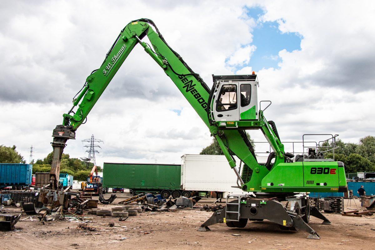 SENNEBOGEN 830E quick change helps dismantle trucks at FW Thomas