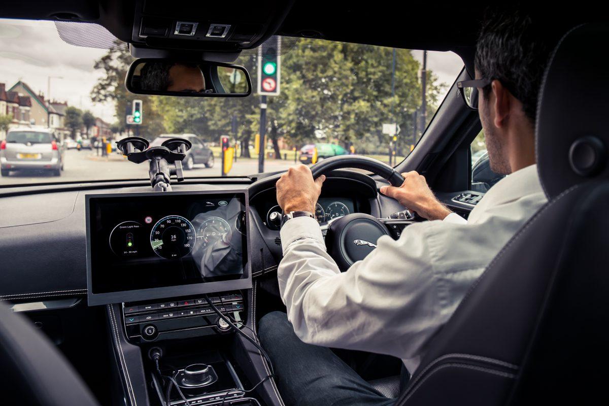 UK Autodrive pilot proves Siemens Mobility intelligent roadside infrastructure