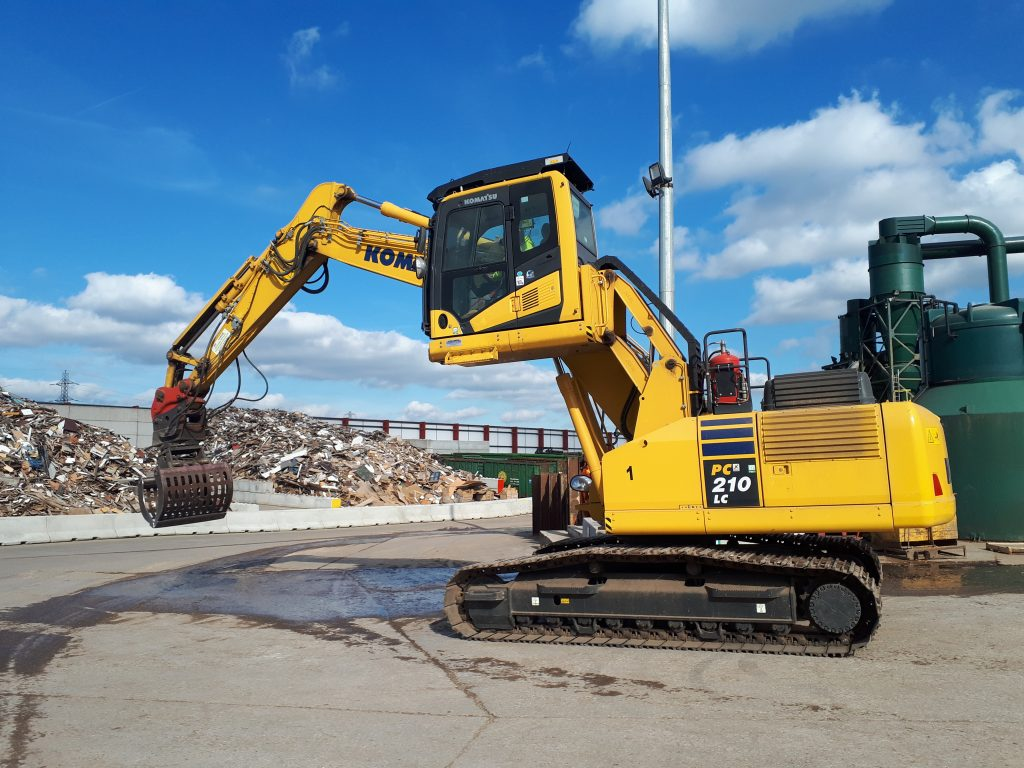 Ridgway reaches new heights with Komatsu elevated cabs