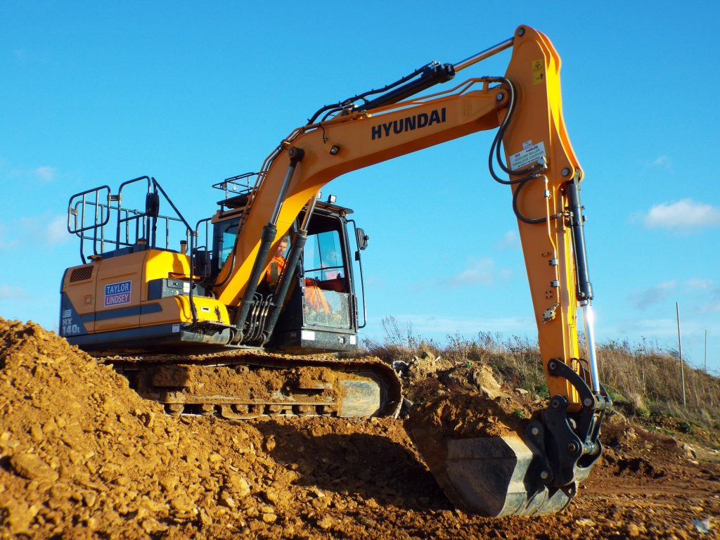 Taylor Lindsey invests in performance with their first Hyundai Excavator