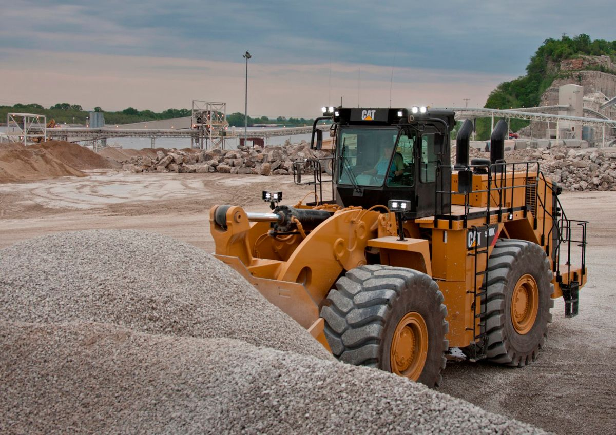 Cat 990K Aggregate Handler boosts Wheel Loader productivity