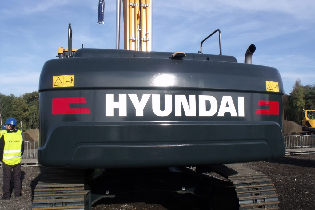 Scotland's Agritrac Exports joins the Hyundai construction equipment dealer network