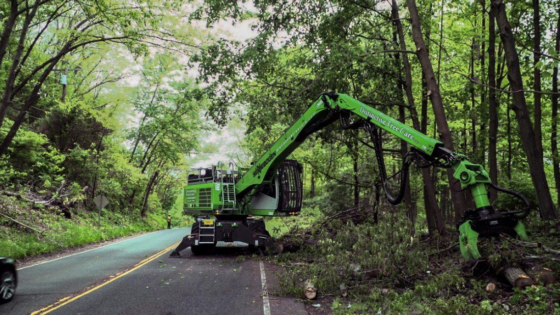 SENNEBOGEN 718 E makes urban Tree Surgery impressively efficient