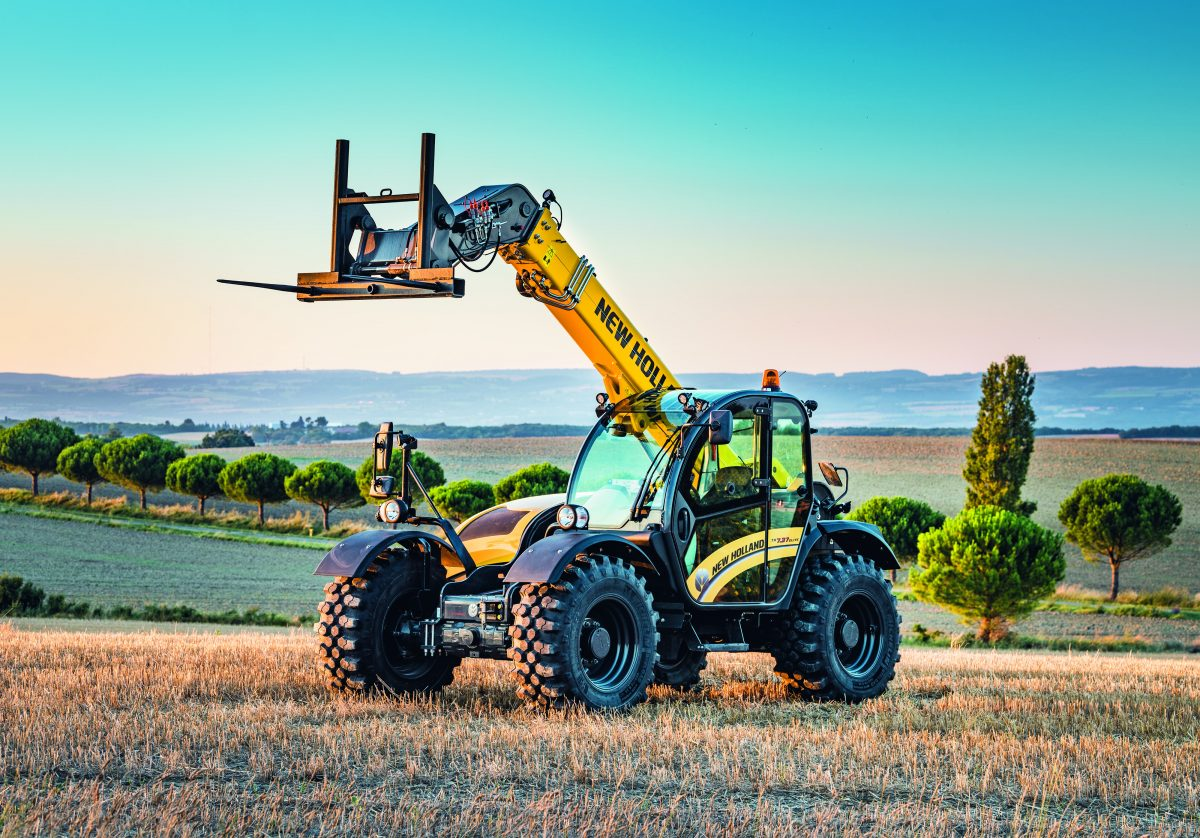 New Holland shows off updated telehandlers and new implement range at FTMTA 2019