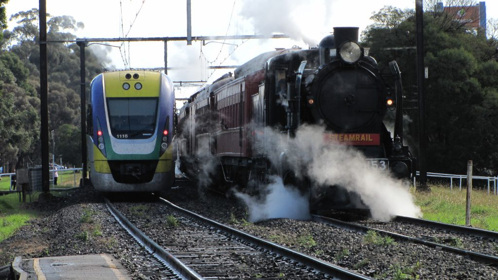 Australia Trains - Photo by Simon Yeo