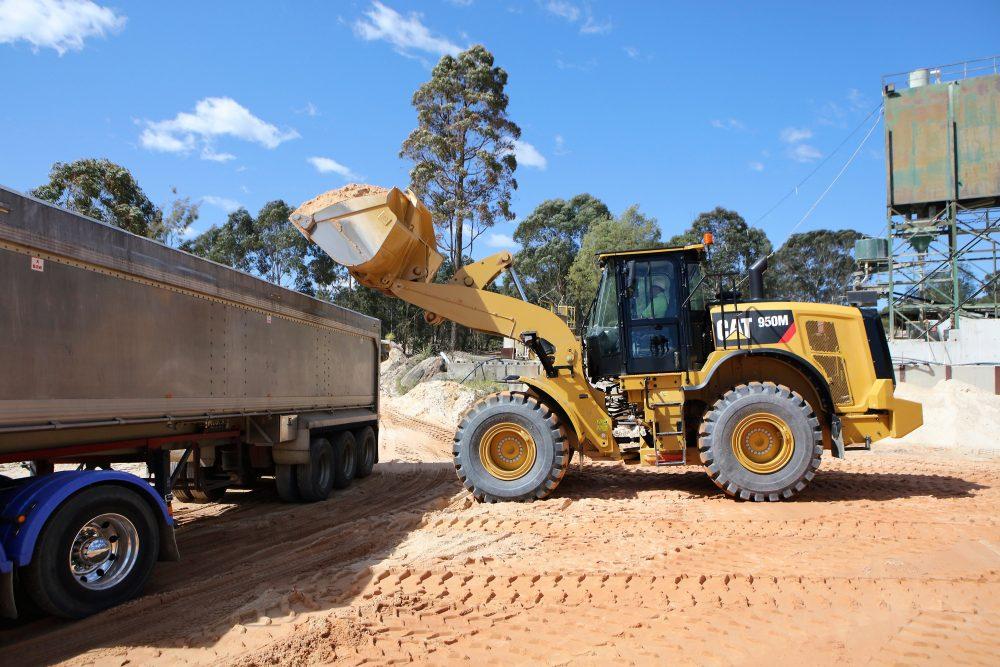 Cat 950M / 982M Wheel Loader updates improve technology and comfort