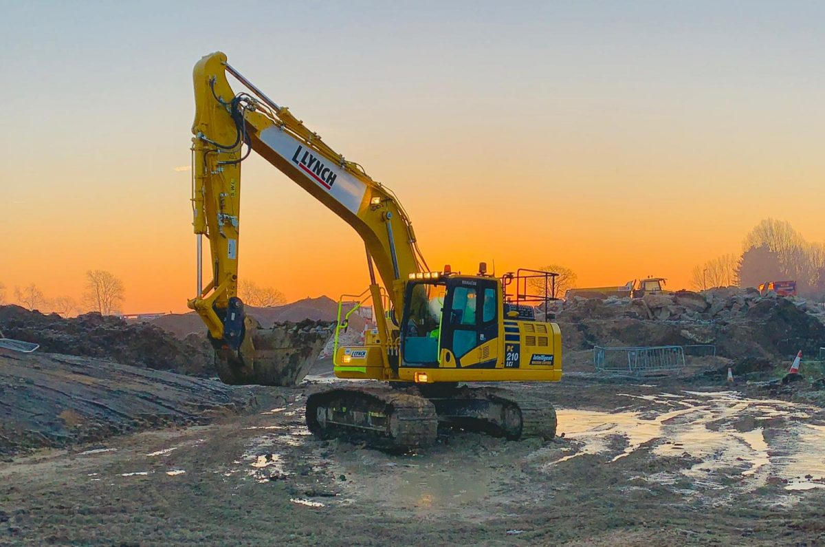 Lynch Plant Hire makes a long-term commitment to GKD Technologies