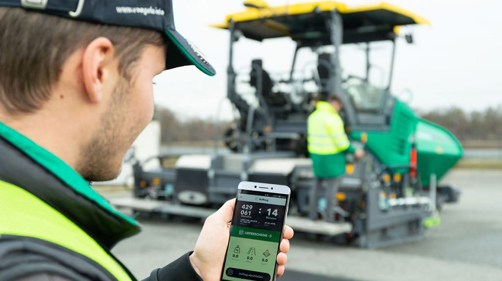 With WITOS Paving Docu, operators and site managers can now collect all the paver and paving data on the job site, scan in delivery notes and automatically send job-site reports at the end of the paving day.
